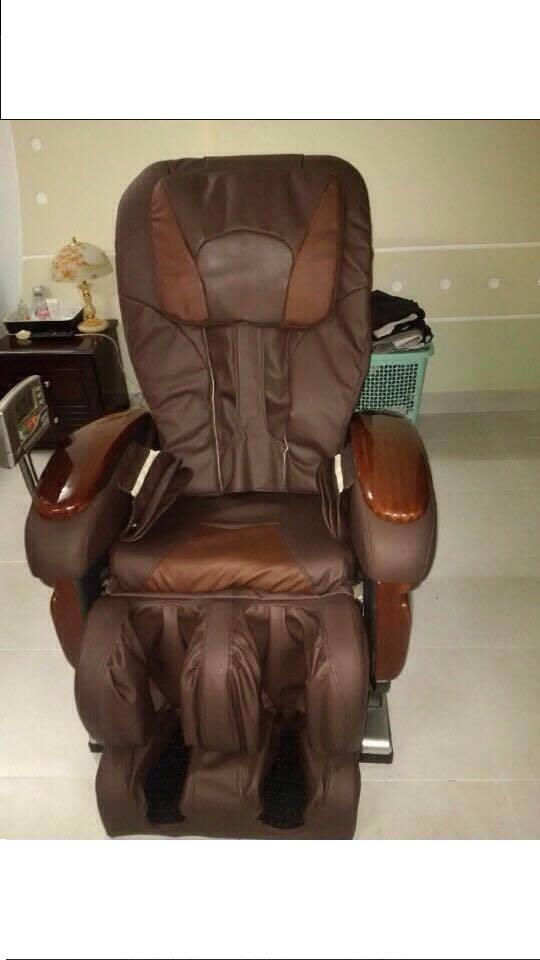 thay da ghế massage đúng cách